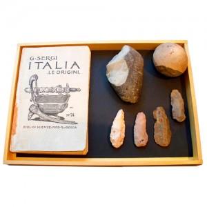 Antichi oggetti e libri di antropologia