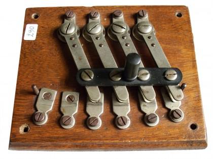 Commutatore telefonico  4/4 XIX° secolo