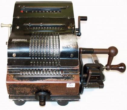 Calcolatrice meccanica Brunsviga: Germania 2/4 XX° secolo