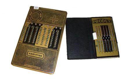 "Calcolatrici tascabili ""Addiator"" e ""Produx"" 2/4 XX secolo"