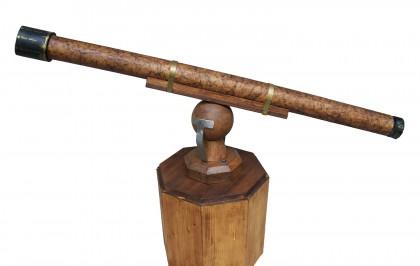Ricostruzione di un cannocchiale del XVII secolo con lenti di tipo galileiano e materiali reperibili all'epoca