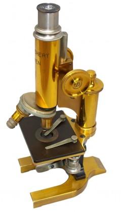 """Microscopio """"Carl Reichert"""", Vienna 1899"""