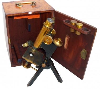 """Microscopio """"R. & J. Beck"""", Londra  fine XIX° secolo"""