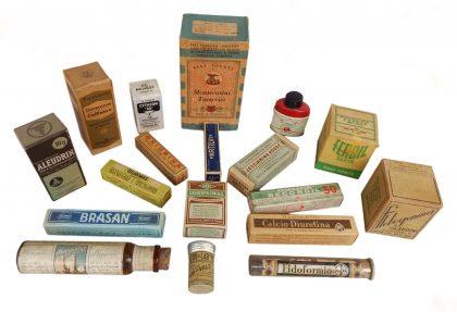 Vecchie confezioni di farmaci in compresse anni 40 – 50 XX secolo