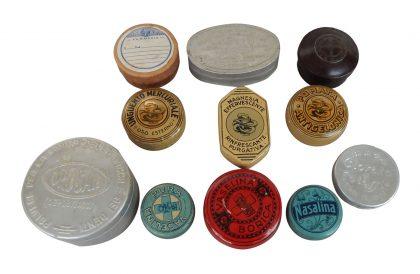 Vecchie confezioni di farmaci in pomata anni 40 – 50 XX secolo