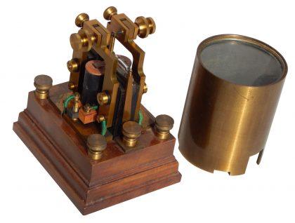 Relè soccorritore polarizzato per linee telegrafiche. 1/4 XX secolo