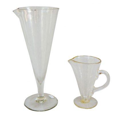 Due bicchieri a calice graduati da 50 e 200 cc.  XIX° secolo