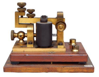 Relais – Sounder delle Poste inglesi, impiegato anche da Marconi per i suoi esperimenti 1/4 XX secolo