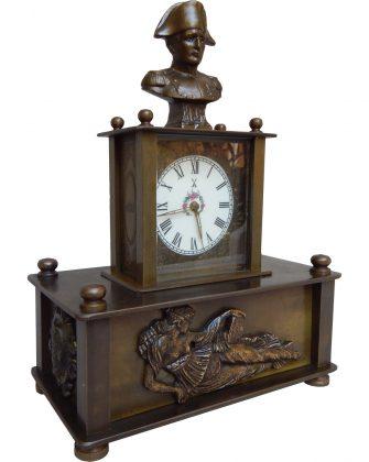 Orologio da tavolo con sveglia a Carillon