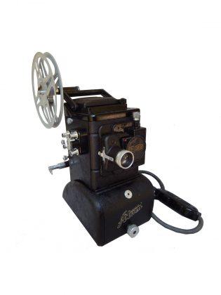 Proiettore  per  pellicola  8 mm
